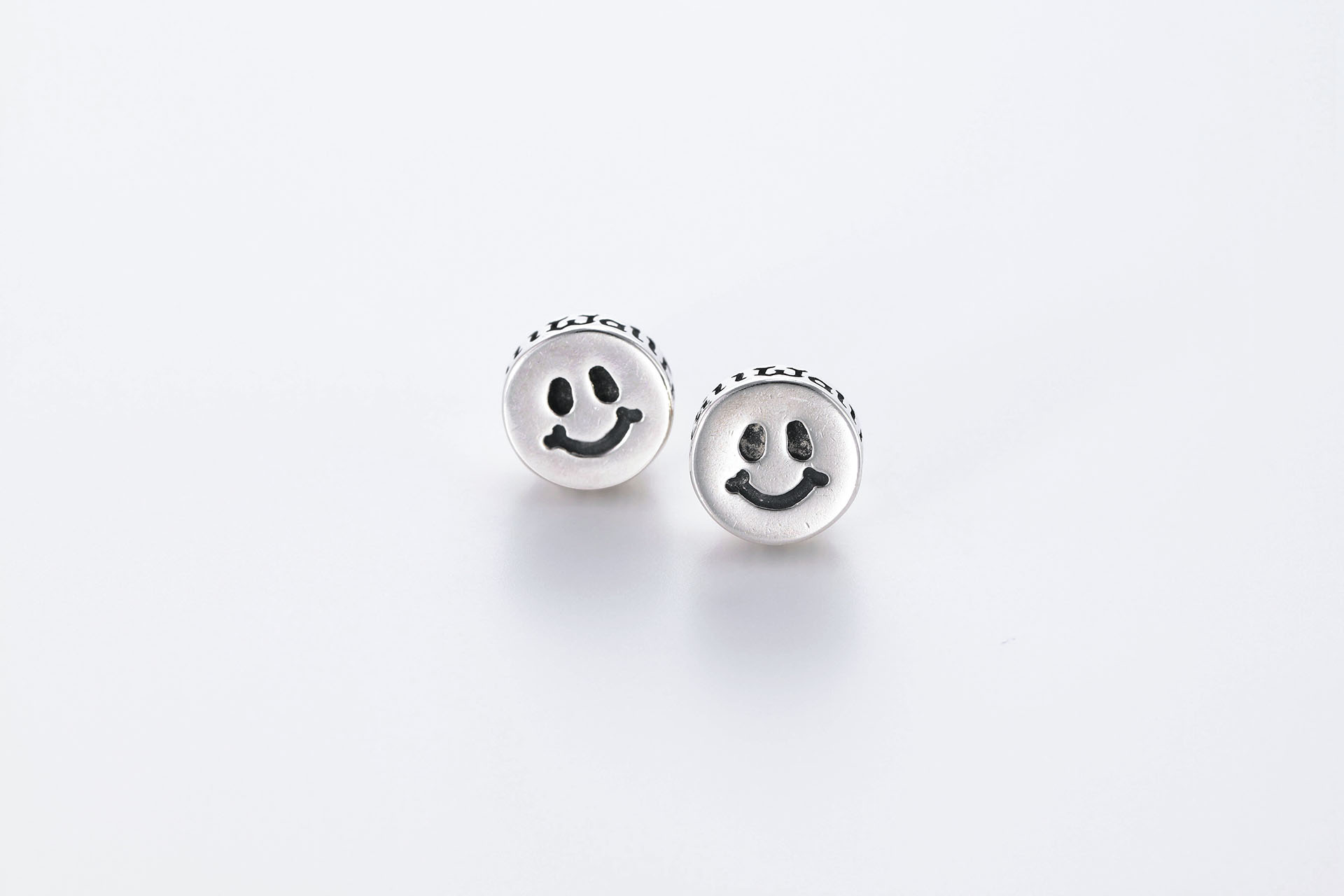 E229 happy face earrings product e229 happy face earrings voltagebd Image collections